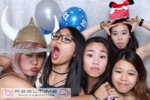 Enjoy customize Photobooths with your friends